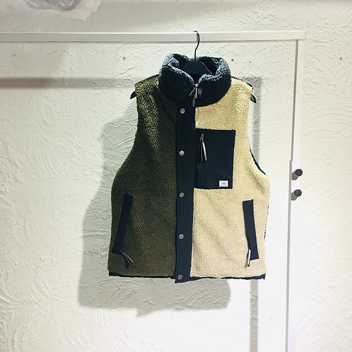 Gym Master - Color Mix Reversible Furry Gilet