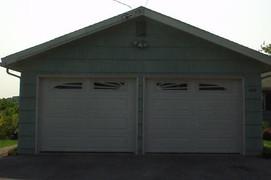 8x7 white raised ranch panel with ranch sunburst windows