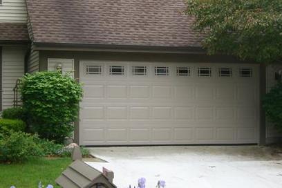 16x7 raised standard panel with standard prairie windows