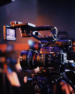 black-camera-2873486.jpg