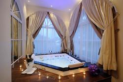 Whirlpool Spa Suite