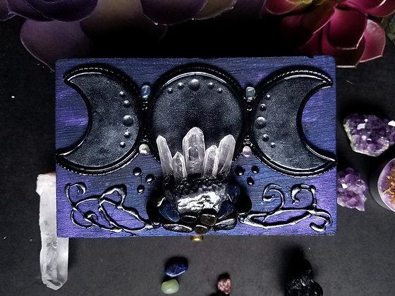 Aura Moon Goddess (M Box)