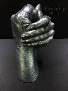 couple hand cast