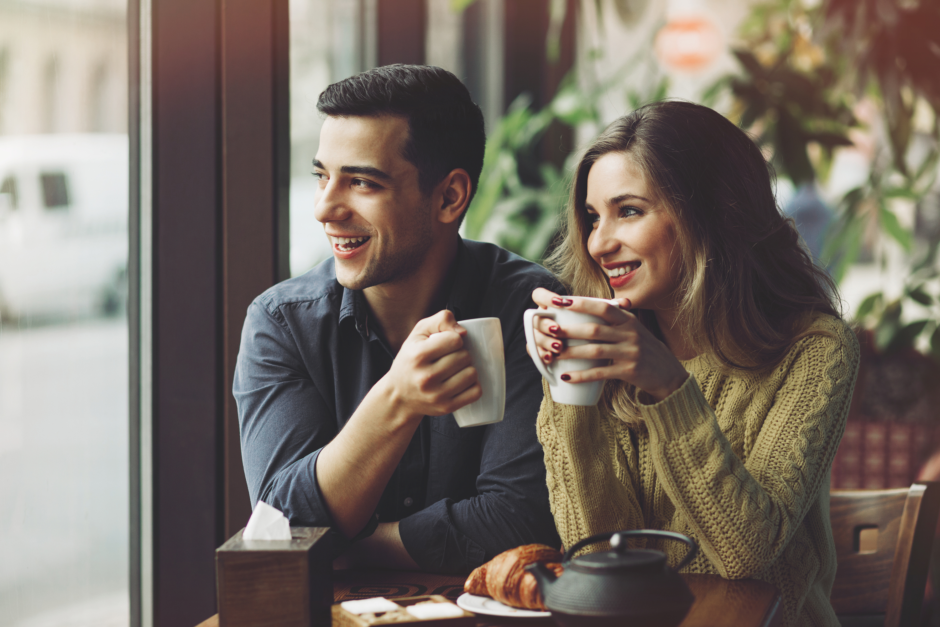 couple-in-love-drinking-coffee-in-coffee
