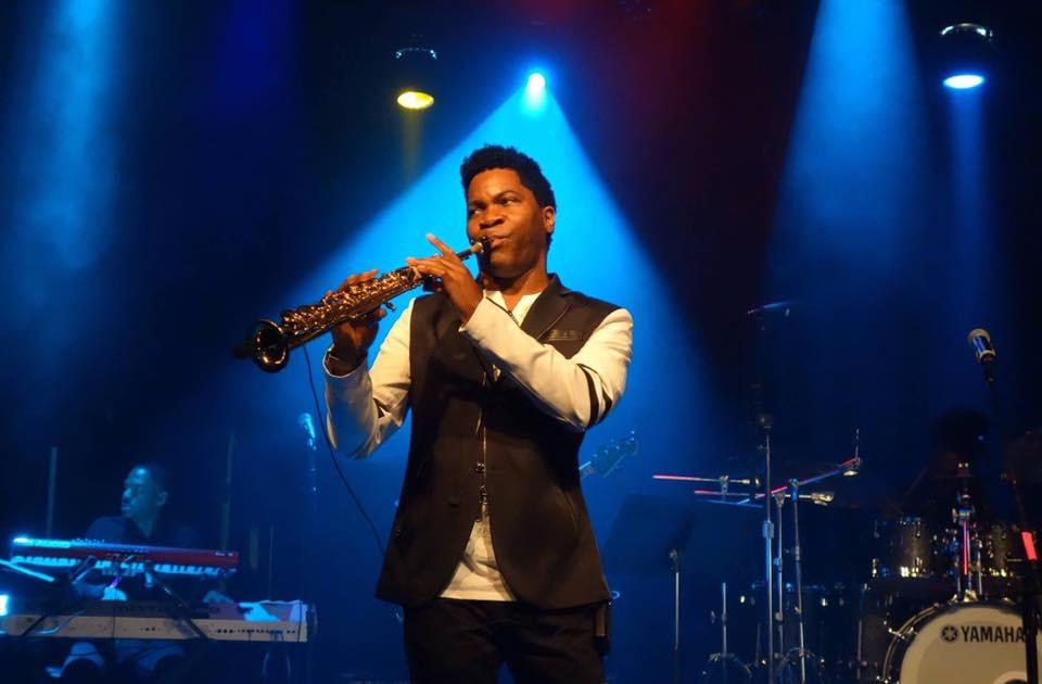 Aaron Bing live in concert