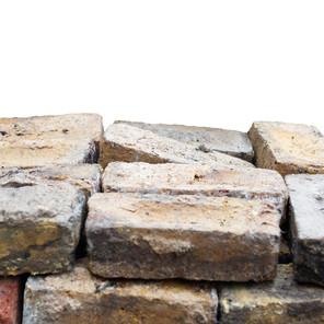 MATERIALS POST   RECLAIMED LONDON STOCK BRICKS