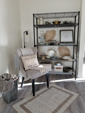 Relaxed Living by Sams | Home Staging | Shelves