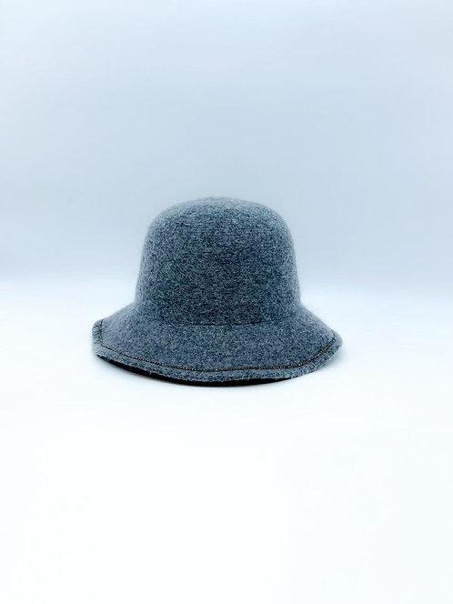 Cappello cloche con strass grigio chiaro