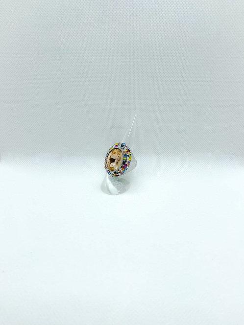 Anello in metallo elastico con pietre colorate