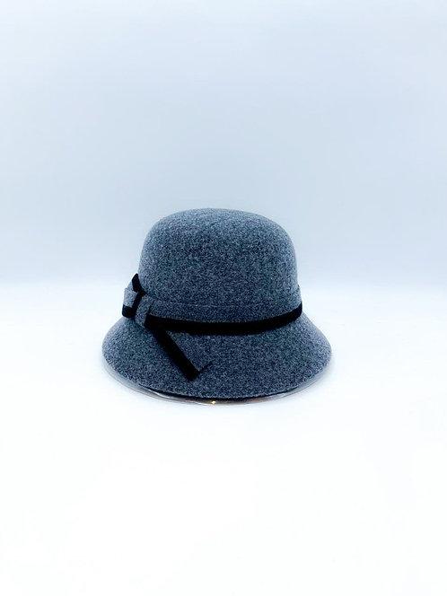 Cappello cloche grigio chiaro