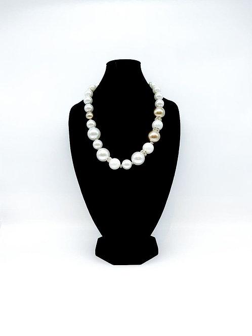 Collana lunga con perle e strass bianco/beige