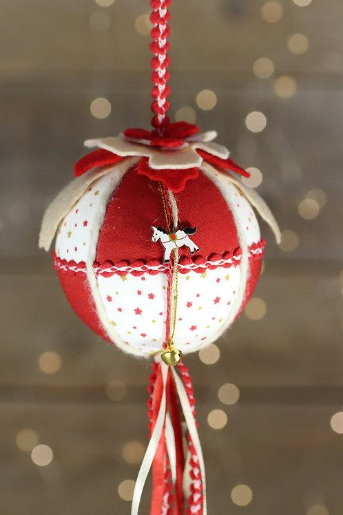 Boule de Noël cheval de bois
