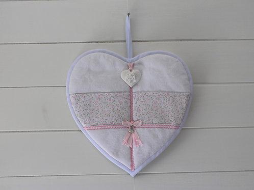 Coeur mural  fleuris avec  poches