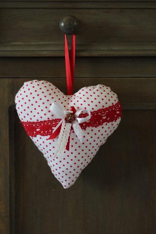 Coeur en tissu pois rouge