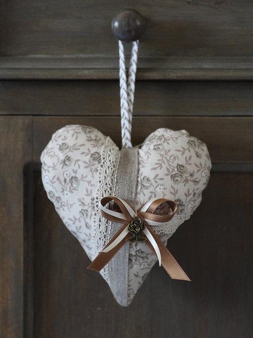 Coeur à suspendre à fleurs lin