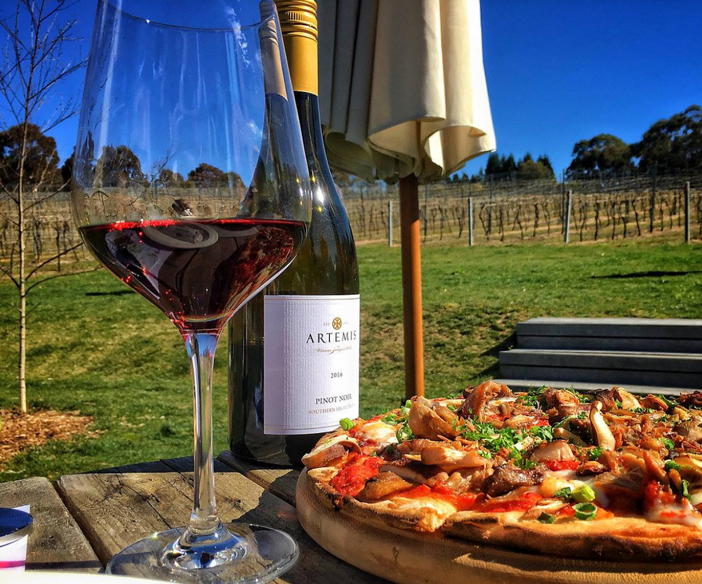 Fabulous pizza and wines at Artemis Wines