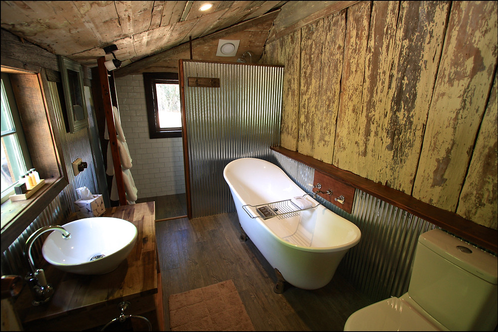 Berrima-accommodation- Oldbury Cottage Bathroom