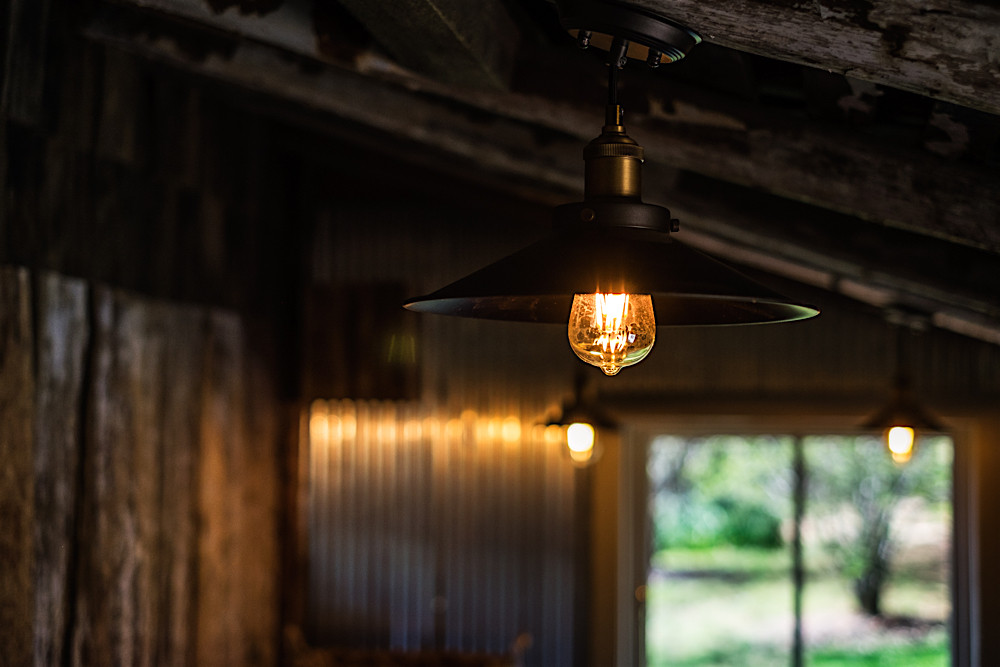 accommodation in Berrima- Kitchen lighting | Oldbury Cottage Berrima