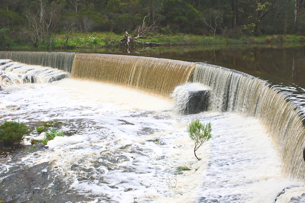 accommodation in Berrima- Berrima Weir in flood