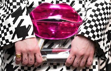 Artpunk-lips-purse-1500px.jpg