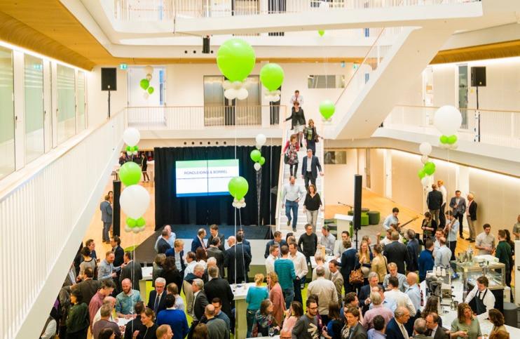 Opening LSI, Utrecht Holdings