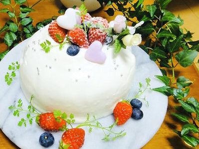 可愛い苺のショートケーキ