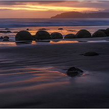 Moeraki first light