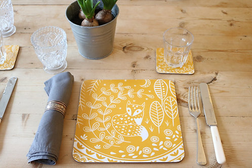 Set of 6 Daniel Fox Placemats in mustard yellow,