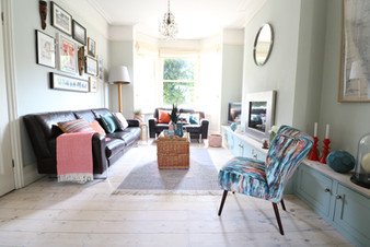 Light Airy Lounge in Victorian Terrace House