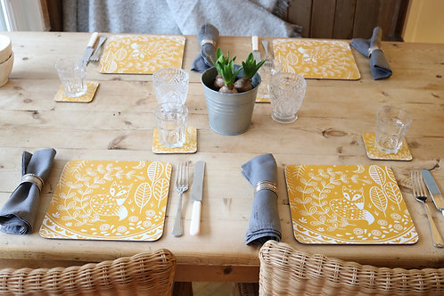 Set of 4 Daniel Fox Placemats in mustard yellow,