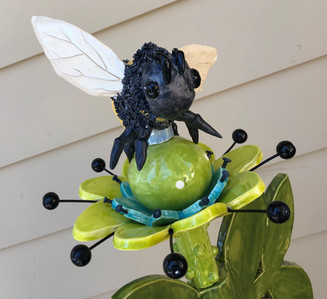Bumble Bee Topper