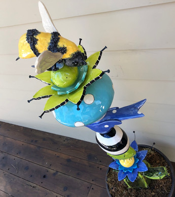 Bumble Bee totem topper