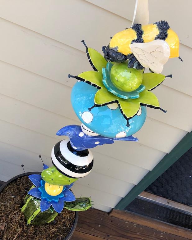 Honey Bee Garden Totem