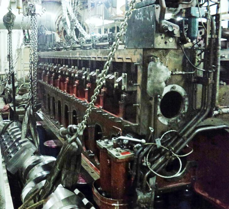 Crank shaft replacement MaK 9M20