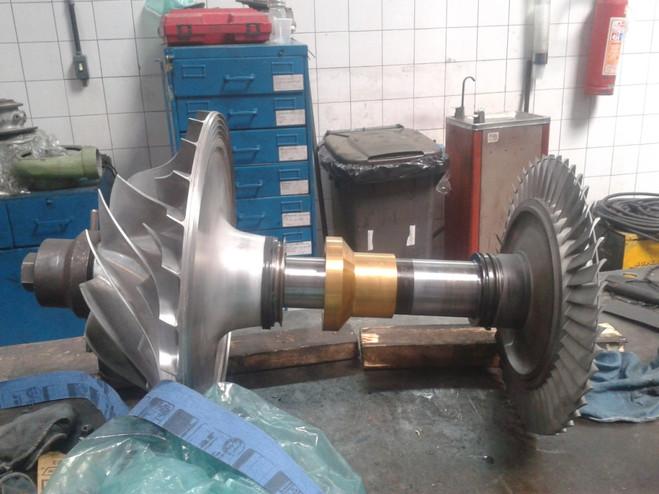 Overhaul turbo Napier 357.jpg