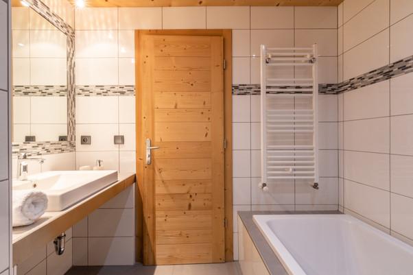 Ourson, Salle de bain 3.