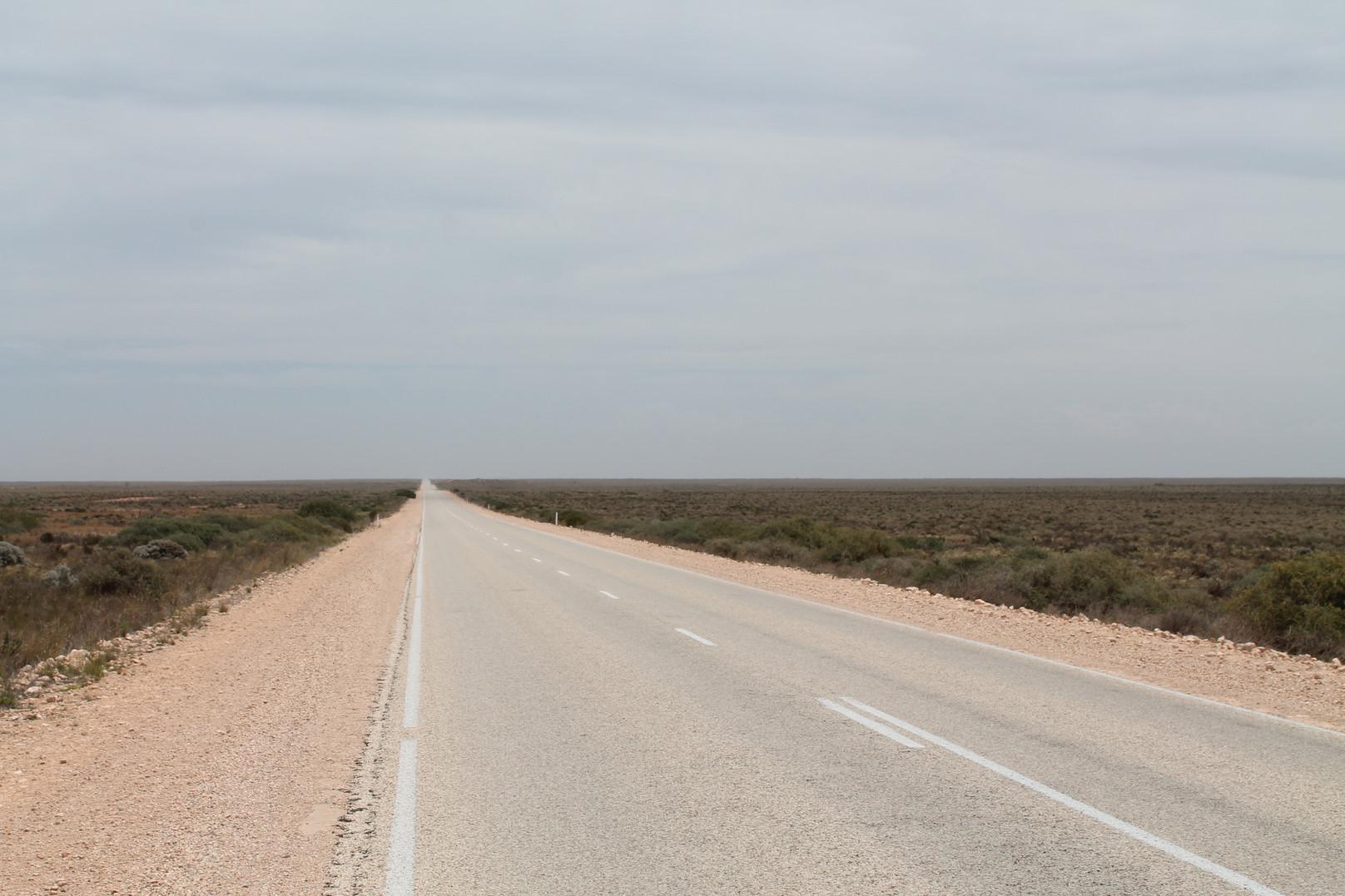 Eyre Highway through the Nullarbor