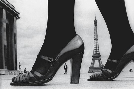 3.-Parigi-Scarpe-e-Tour-Eiffel-1974_prev