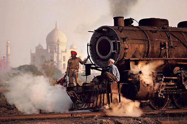 Steve Mccurry fotografia Taj majal treno