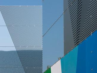 Le foto di architettura di  Franco Fontana  in mostra a Milano