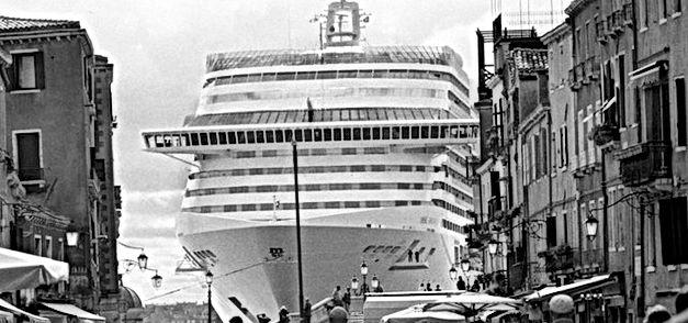 Gianni Berengo Gardin venezia navi
