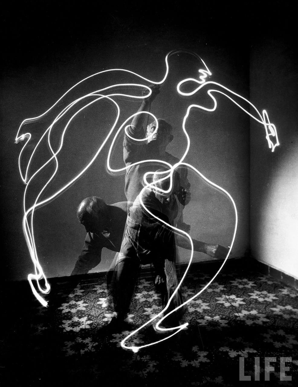 Picasso light painting 2