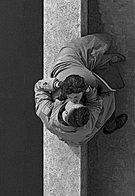 frank-horvat-paris-quai-du-louvre-1955-1