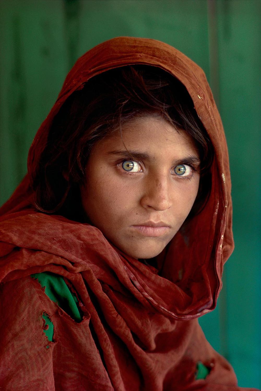 Steve McCurry mostra la ragazza afgana