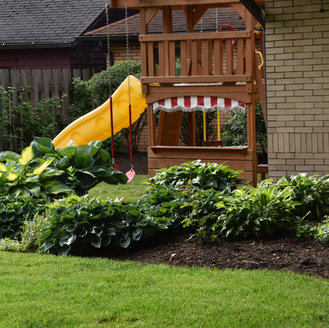 Between the garden full of snacks and this great play area, we definitely wouldn't mind growing up here!