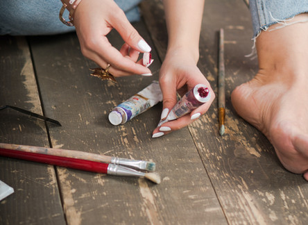 5 Ways You Can Transform Fashion Items With Paint