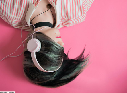 10 Best Podcasts to Listen to Right Now