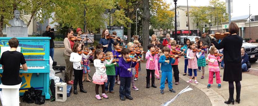 CSS Violin Flash Mob #6 2.jpg