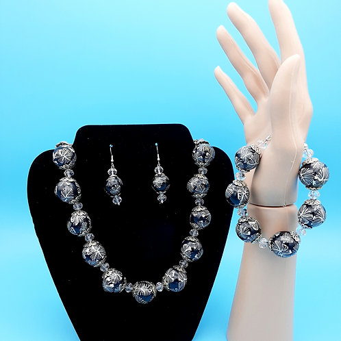 Snowy Night/Matching Bracelet and Earrings