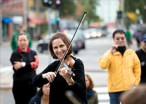 Cambridge Suzuki Violins Flashmob3.jpg